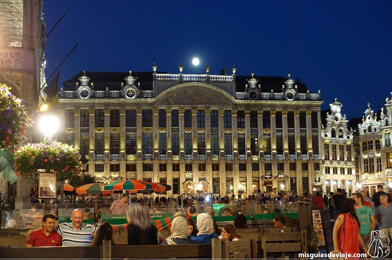 Casas de los duques de Brabante de noche