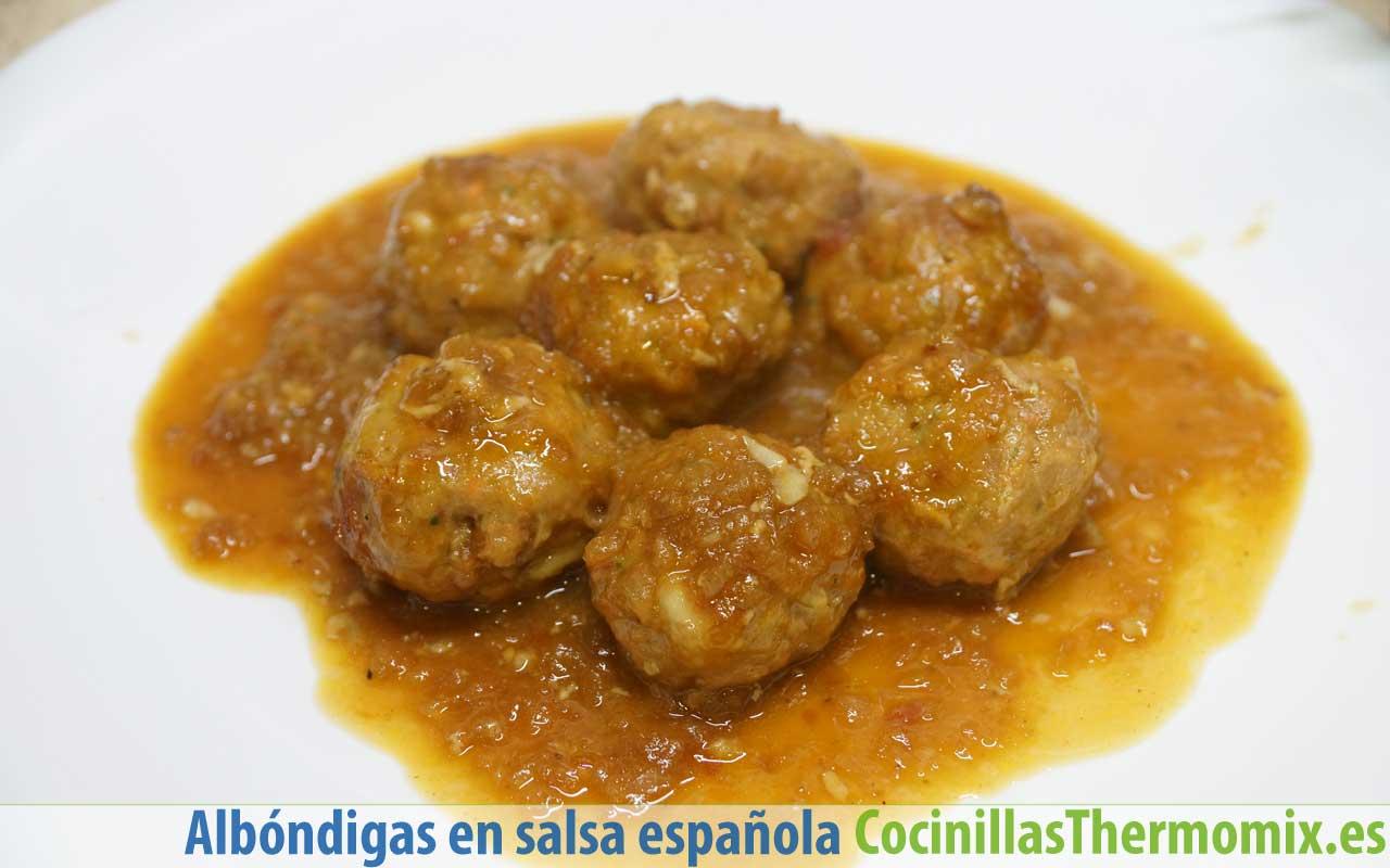 Albóndigas en salsa española con Thermomix