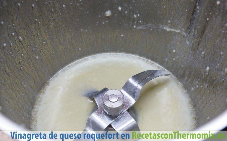 Cómo hacer vinagreta de queso roquefort con Thermomix