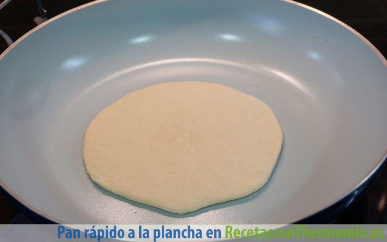 Hacer pan rápido a la plancha con Thermomix