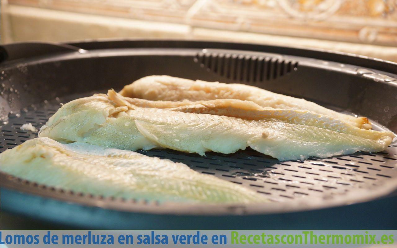 Cómo preparar lomos de merluza en salsa verde con Thermomix