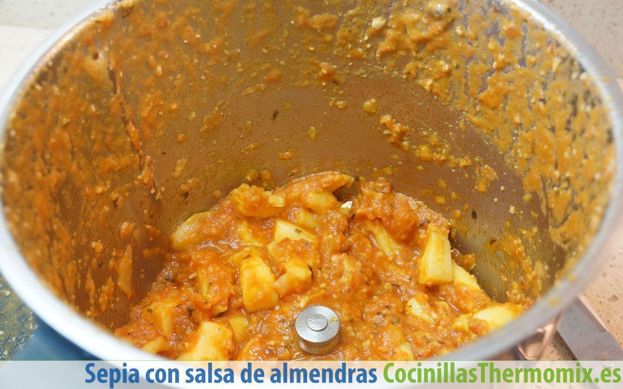 Cómo preparar sepia con salsa de almendras en Thermomix