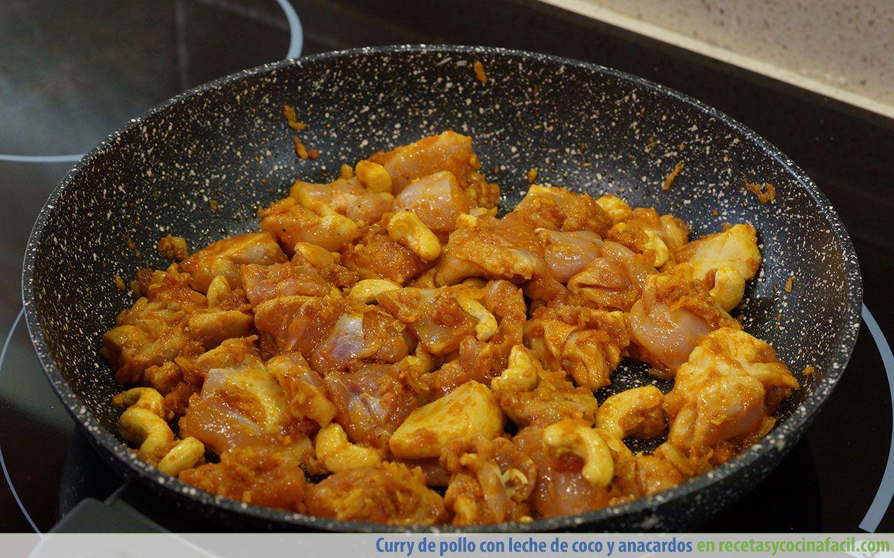 Cómo hacer curry de pollo con leche de coco y anacardos