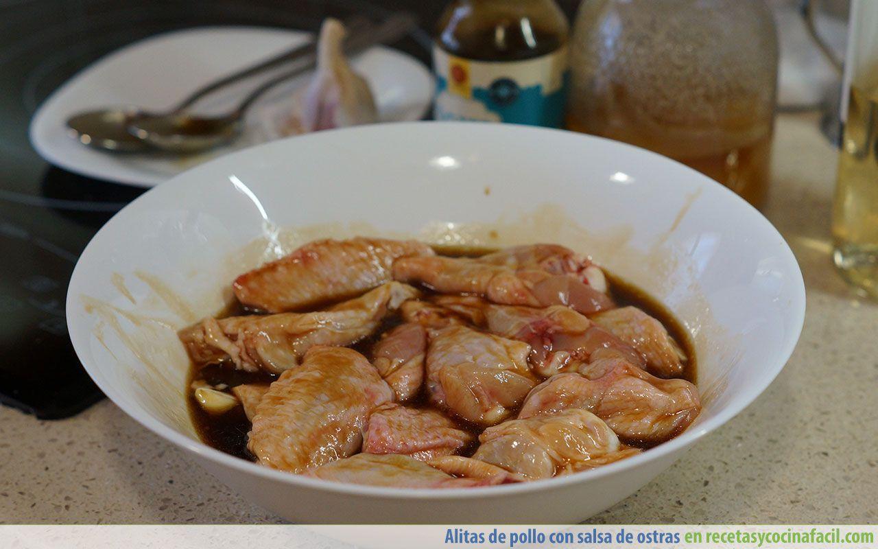 Cómo macerar alitas de pollo al horno con salsa de ostras
