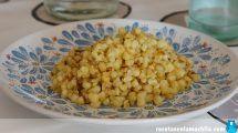 Dacsa o tostones, tapa de maíz frito