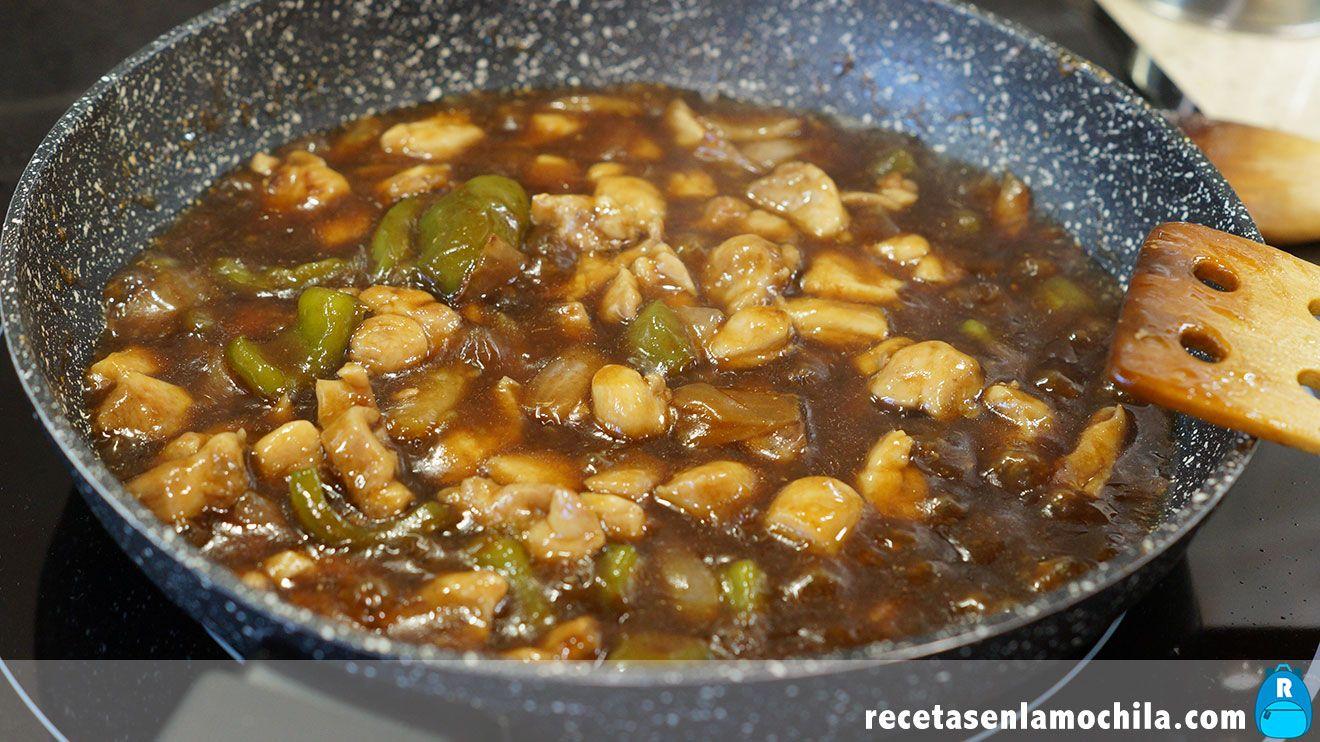Cómo hacer arroz con pollo y anacardos