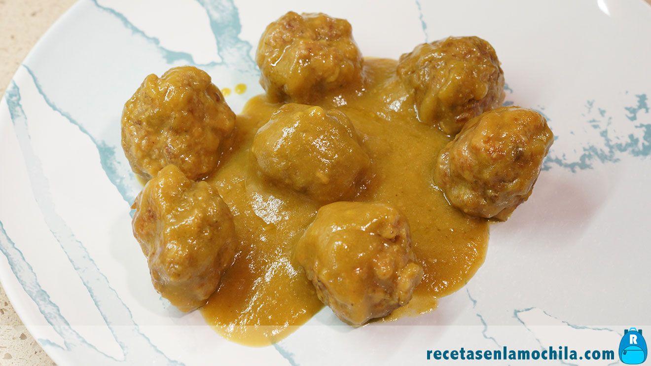 Albondigas al curry con manzana