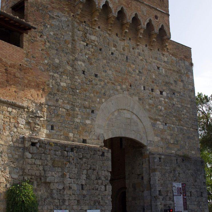 Puerta San Giovanni de San Gimignano