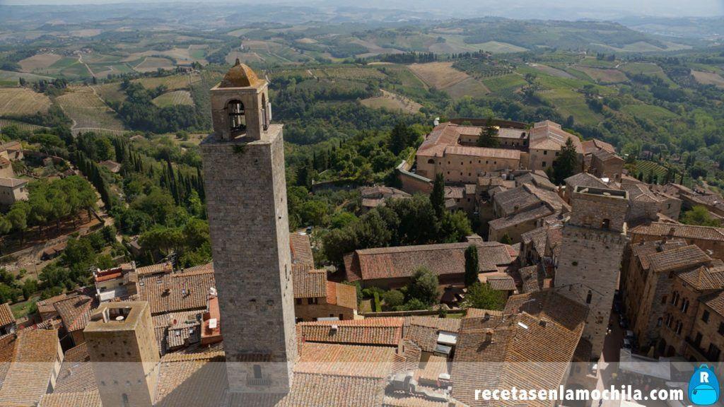 Vistas de la Toscana desde la Torre Grossa de San Gimignano