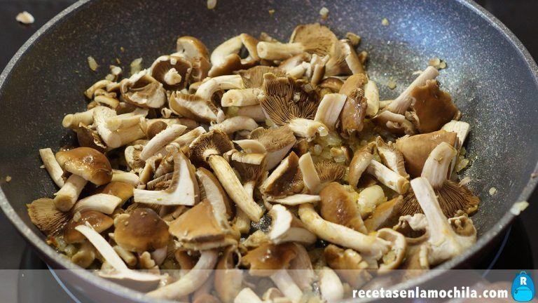 Cómo hacer risotto con boletus y tomates secos
