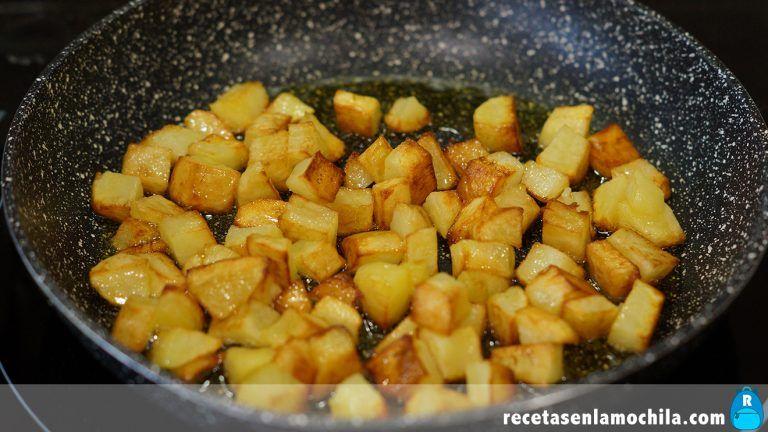 Patatas fritas para estofado de ternera