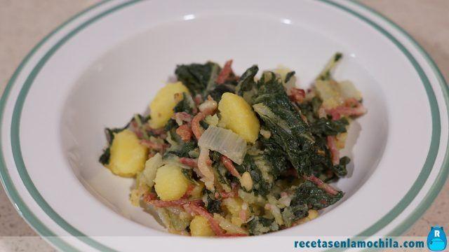 Acelgas con patatas y jamón