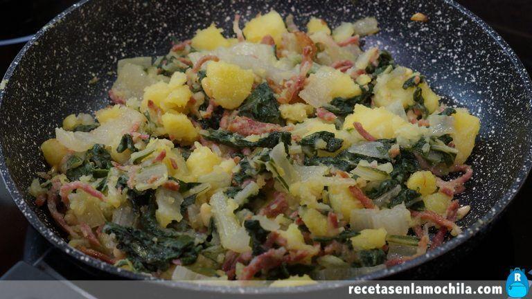 Receta de acelgas con patatas y jamón