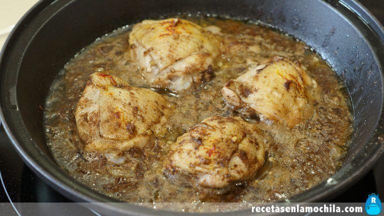Receta de tajine de pollo con limón y aceitunas