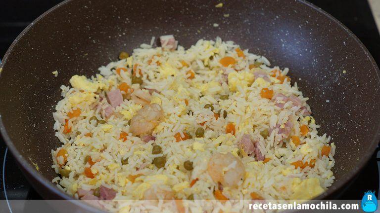 Cómo hacer arroz tres delicias estilo chino y casero