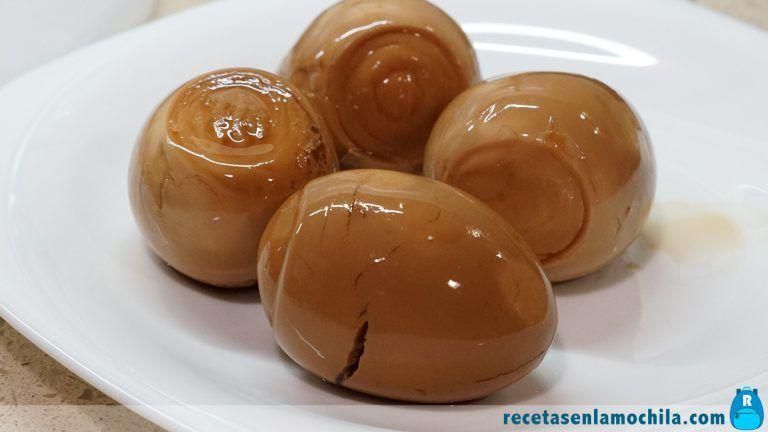 Huevos para guarnición de ramen shoyu