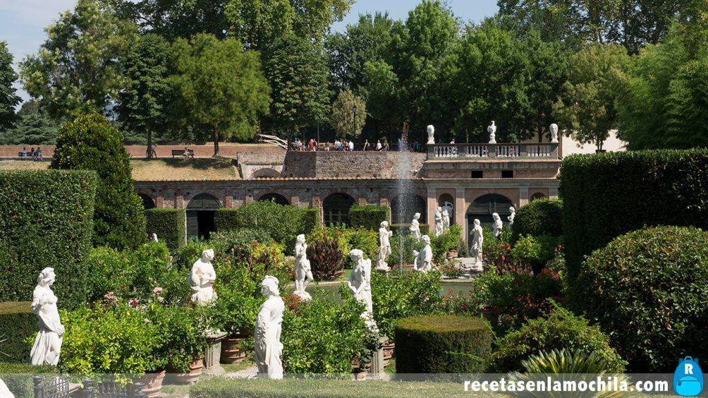Jardín del Palazzo Pfanner en Lucca