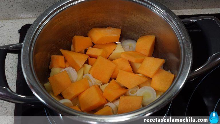 Cómo preparar crema de calabaza y puerro