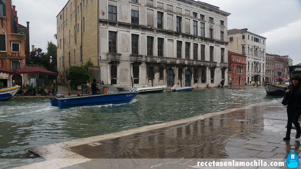 Venecia inundada por Acqua Alta