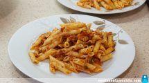 Macarrones rápidos con atún y tomate frito
