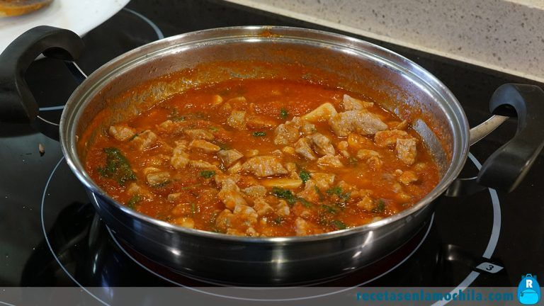 Cómo hacer pimientos rellenos de arroz y carne
