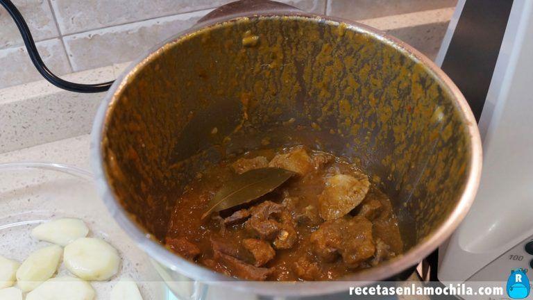 Cómo preparar carne guisada con patatas al vapor con Thermomix