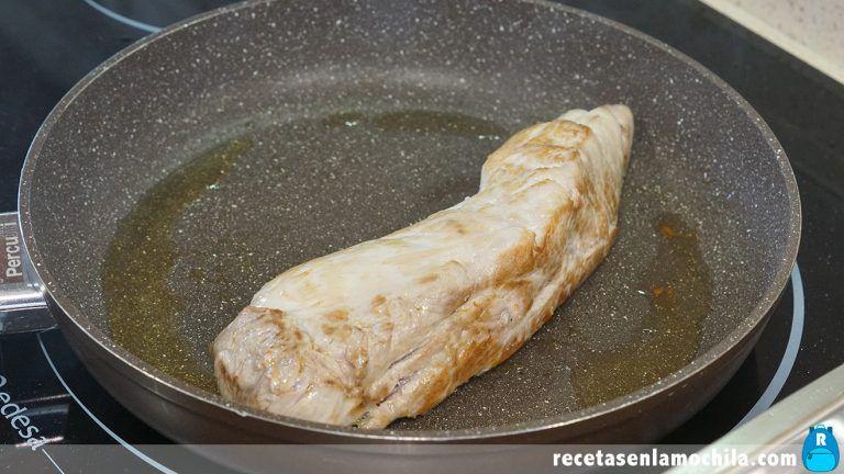 Cómo preparar solomillo de cerdo con salsa de almendras