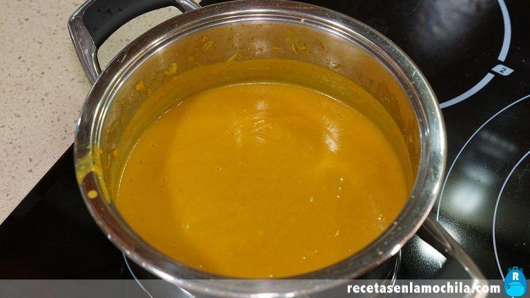 Receta de crema de calabaza al curry con leche de coco